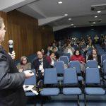 52 - Flagrante da Plenária do Dr. José Luiz Amarante Araújo
