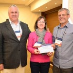 Prêmio de Melhor Trabalho de Ceramografia, representando os autores, Rosa M. da Rocha