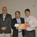 Prêmio de Melhor Trabalho oferecido pela RIGAKO, representando os autores Fernando dos S. Ortega
